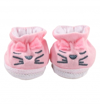 Cat shoes size M